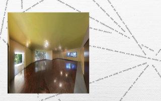 Casa Modernista, 2019, Fujiflex auf Alu-Dibond, 125 x 125 cm, aus: serielle Inkonsequenz, darunter: Lochkarte, 2019, Posterdruck, 156 x 257 cm