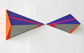 Petra Tödter, Violettas Silberminen, MDF, Acryllack, Pigment, insgesamt 22,5 x 90,5 x 12 cm, 2019